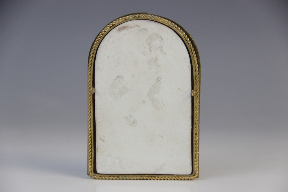 An Austrian miniature devotional icon on porcelain, 19th century, depicting the Virgin Mary - Image 3 of 4