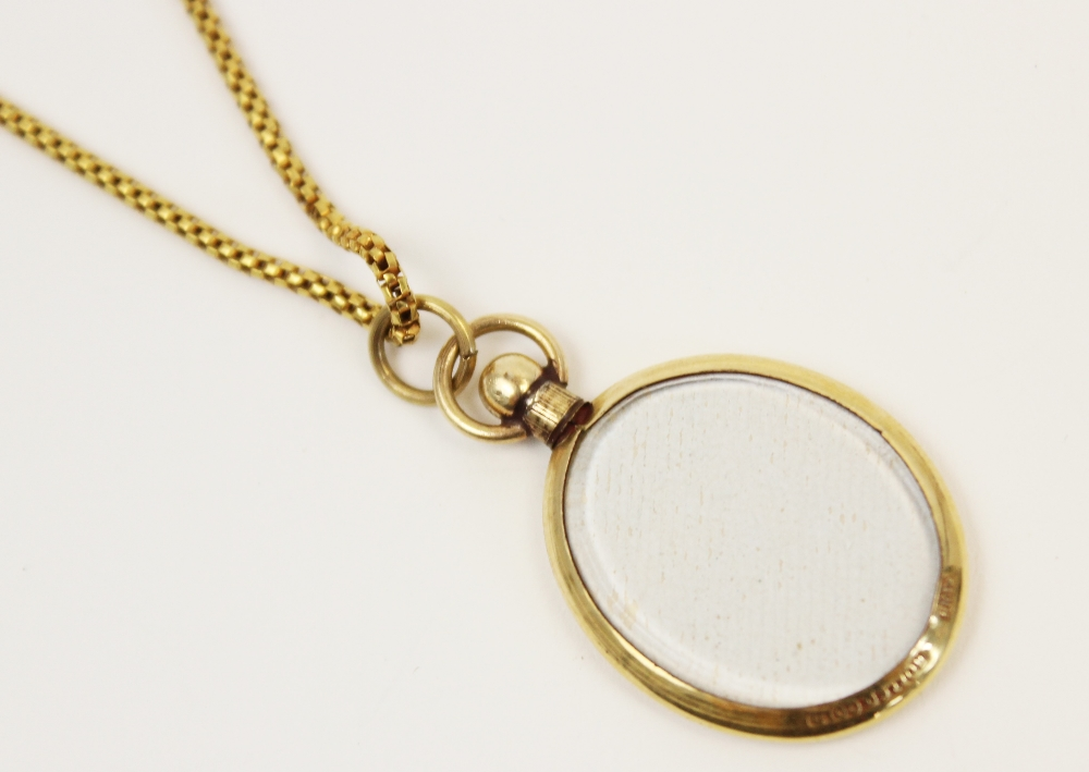 An early 20th century yellow metal box-link chain, with spring ring and loop fastening, applied - Image 4 of 6