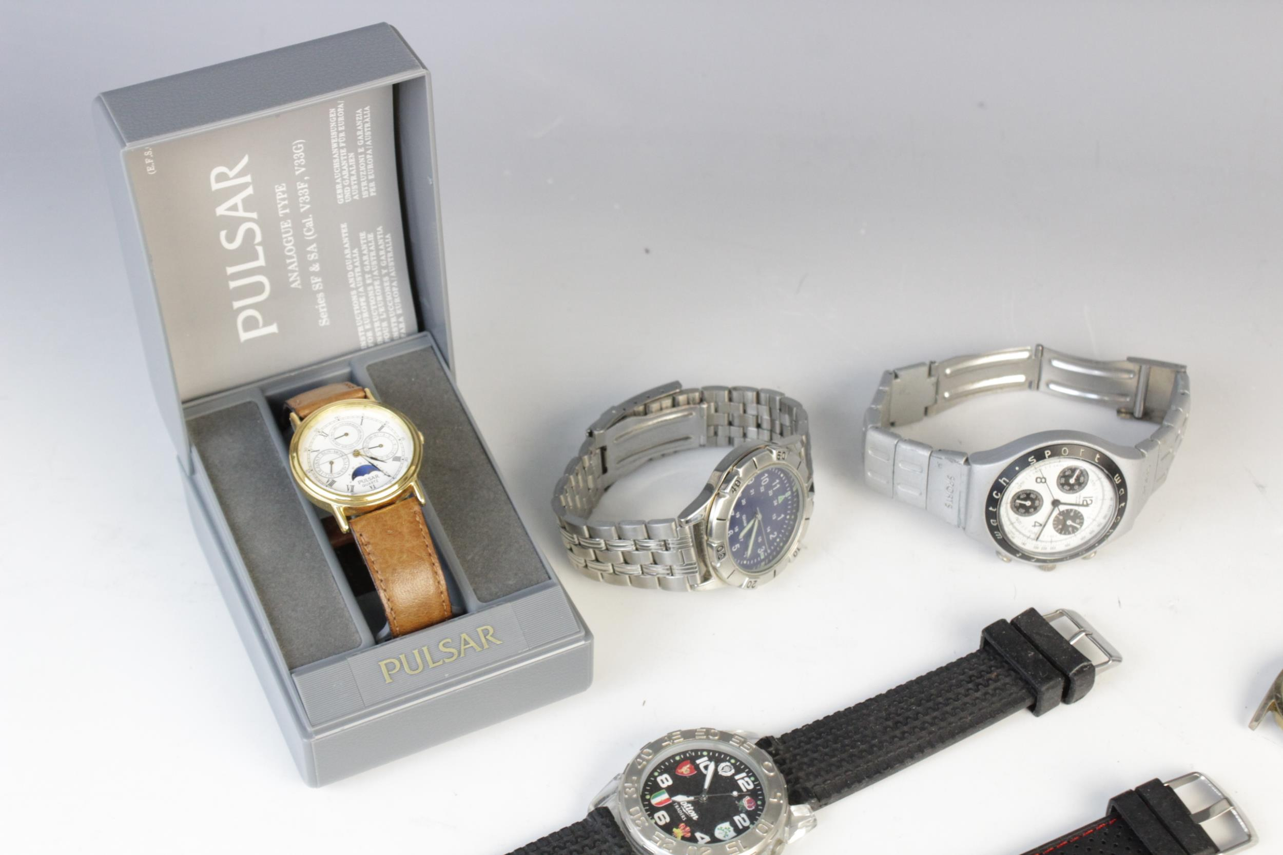 A large collection of vintage and modern dress watches, including a Longines Quartz T1 Timer, a - Image 11 of 11
