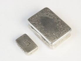 A William IV silver vinaigrette by Thomas Lawrence, Birmingham 1837, 25mm x 17mm, together with a