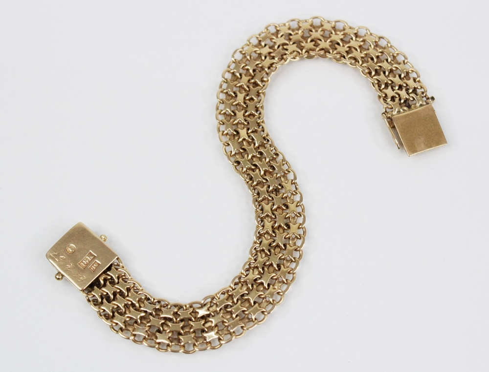 A gold coloured woven-link bracelet, with tongue and box snap clasp fastening, stamped '18K' and ' - Image 3 of 4