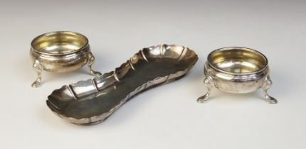 A pair of George III open silver salts, Robert Hennell I, London 1773, each of circular form on