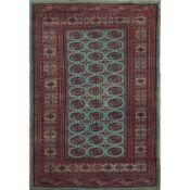 TAPPETO KASHMIR trama ed ordito in cotone, vello in lana. Pakistan XX secolo - cm 232 x 155