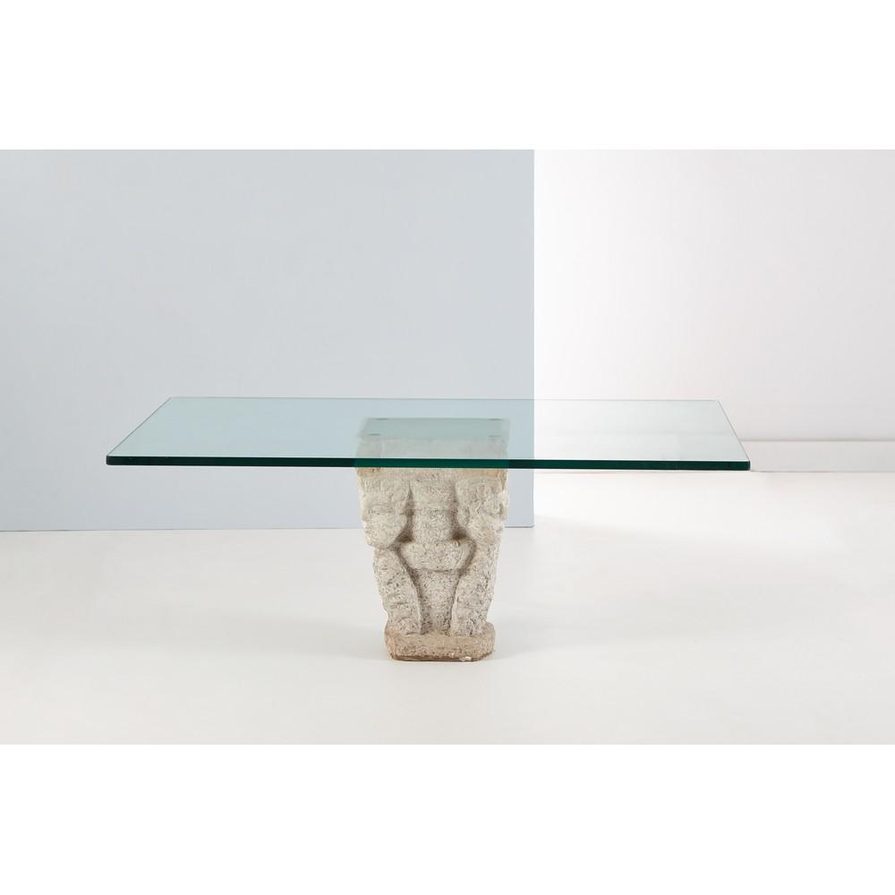 BASE in marmo con volti scolpiti piano in vetro