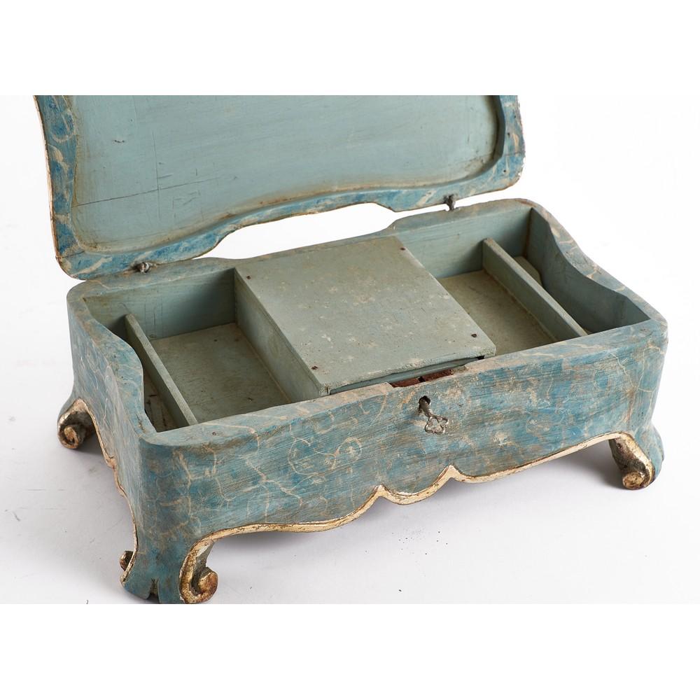 PORTAGIOIE in legno laccato a finto a marmo e dorato. - Image 2 of 2