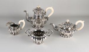 Silberner Kaffeeservice, 4 Teile, 800/000, mit Kaffee- und Teekanne, Milchkännchen und Zuckerdose,