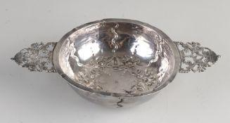 Antike silberne Brandyschale, rundes Modell auf einem runden Ring, mit Griffen mit 2 stehenden Löw
