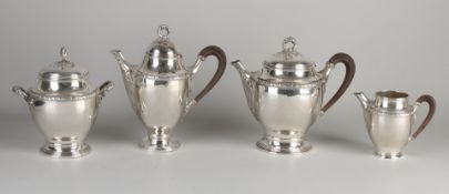 Feiner Service, 925/000, 4 Teile mit Kaffeekanne, Teekanne, Milchkännchen und Zuckerdose im LouisX