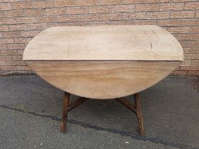 Ercol Drop Leaf Dining Table measuring 48 inches x 42 inches