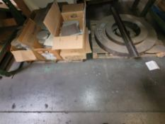 """LOT - ALUMINUM 1"""" X 6"""" ROUNDS, ETC. AND PALLET OF HEAVY STEEL"""