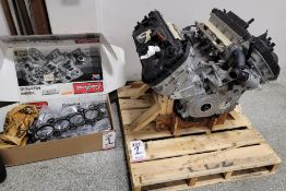 FORD 5.0L COYOTE G3 V-8 ENGINE, HAS A CYLINDER ISSUE, MAY NEED 2 PISTONS
