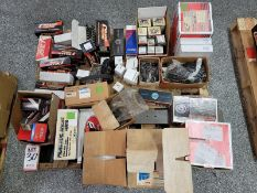 LOT - PALLET OF MIXED PARTS FROM PISTON SETS TO TIMING CHAIN SETS