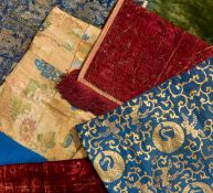 SIX TEXTILES. Japan/Europa. 18th-19th c. Silk and other fabrics. Nishiki and kinran with gild