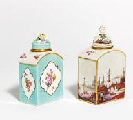 2 TEEDOSEN. Meissen bzw. Nymphenburg. Porzellan, farbig und sparsam gold dekoriert. H.13/14cm.
