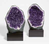 Zwei große Amethyst Geoden