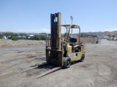 Towmotor 670S Industrial Forklift,