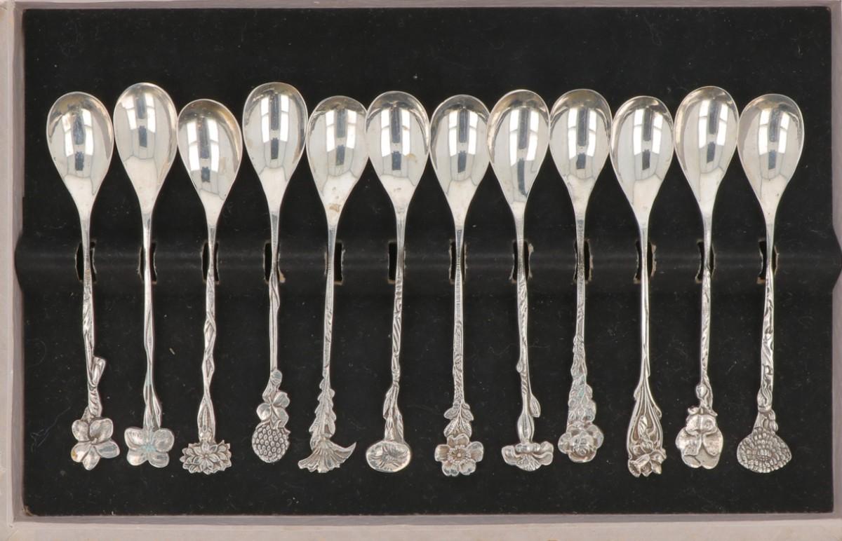 (12) piece set of silver flower teaspoons. - Image 2 of 2