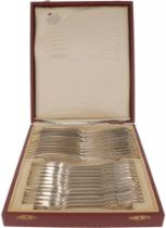 (24) piece set of fish cutlery in cassette silver.
