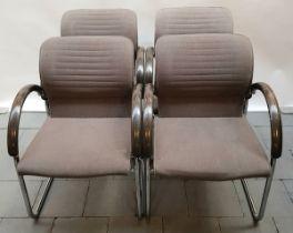 (Design) Buisframe fauteuils, Thonet Vier Thonet buisframe fauteuils met hout op de armleuning.