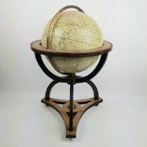 (Antiek) Hemelglobe Hemelglobe in notenhouten stoel met kompas in de voet, gemerkt Dietrich Rei