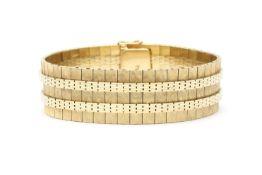 A 14 karat gold bracelet, ca. 1960
