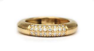 An 18 karat gold diamond ring