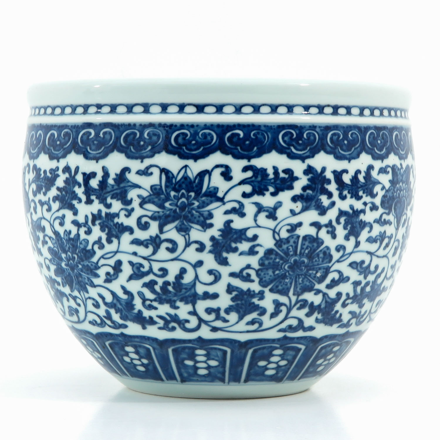 A Blue and White Pot - Image 4 of 9