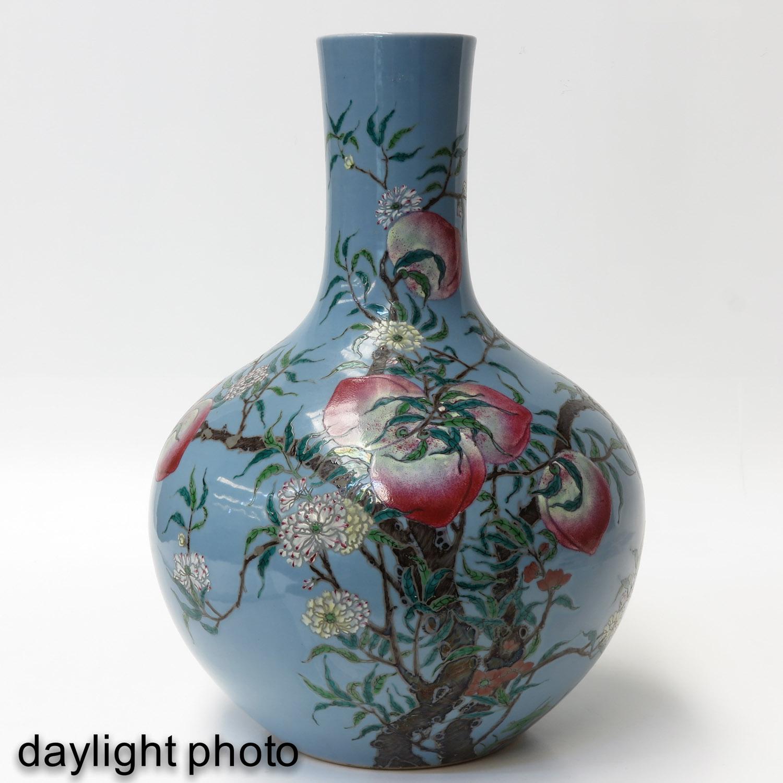 A Peach Decor Bottle Vase - Image 7 of 10