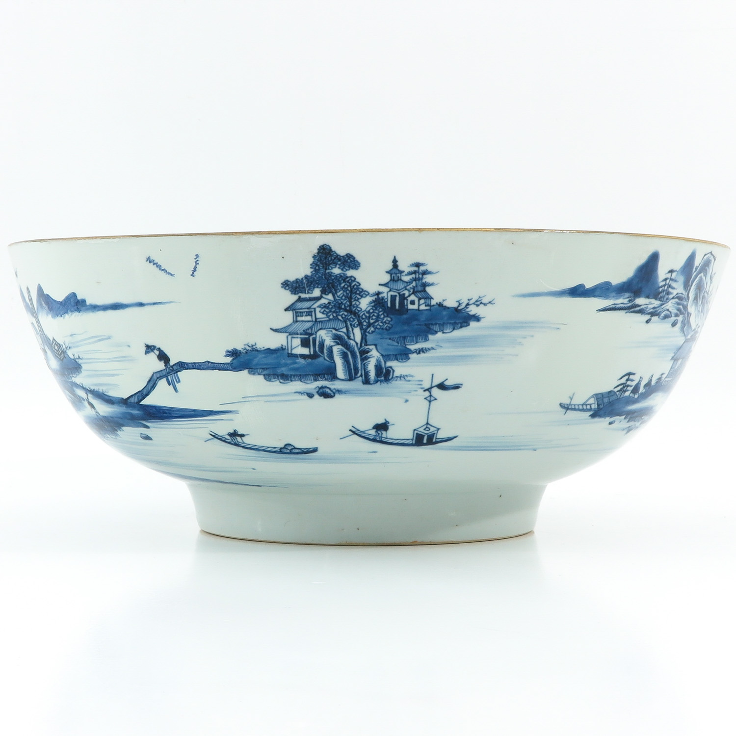 A Large Blue and White Bowl - Image 4 of 9