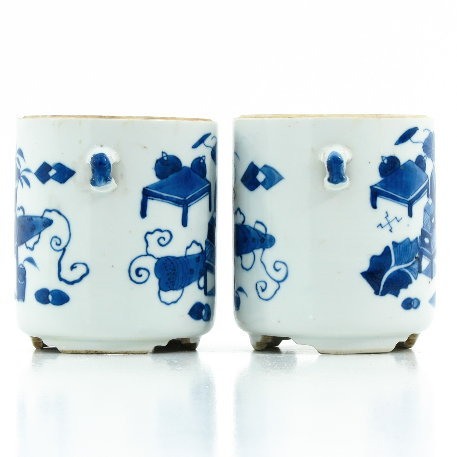 A Pair of Blue and White Jars - Image 4 of 9