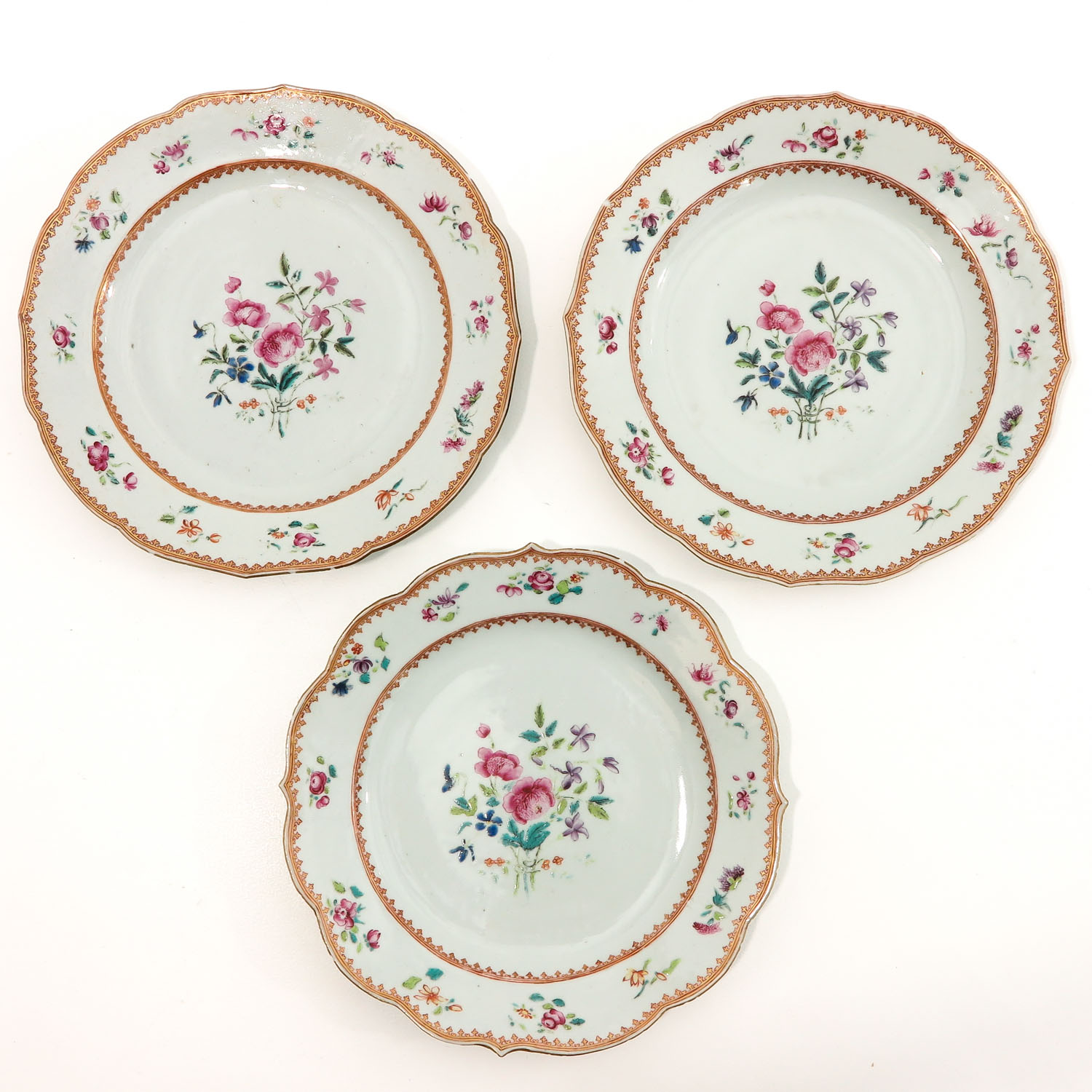 A Series of 8 Famille Rose Plates - Image 3 of 10
