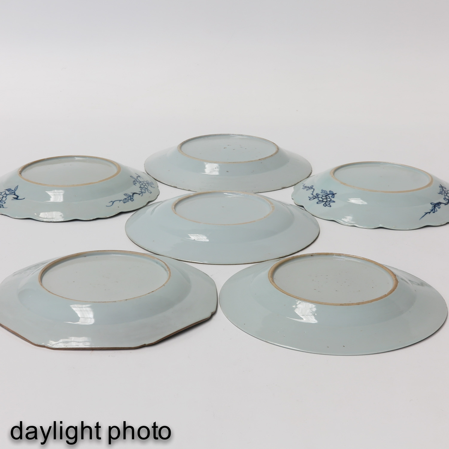 A Set of 6 Blue and White Plates - Image 10 of 10