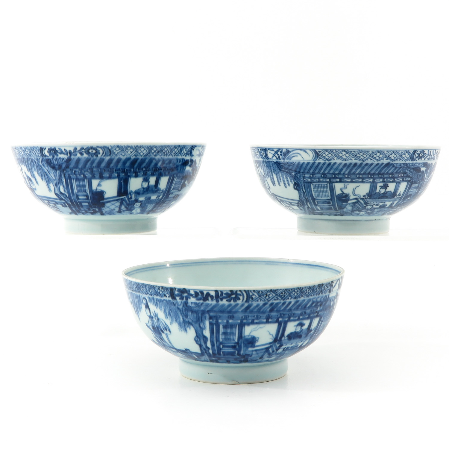 A Series of 3 Blue and White Bowls - Image 2 of 10