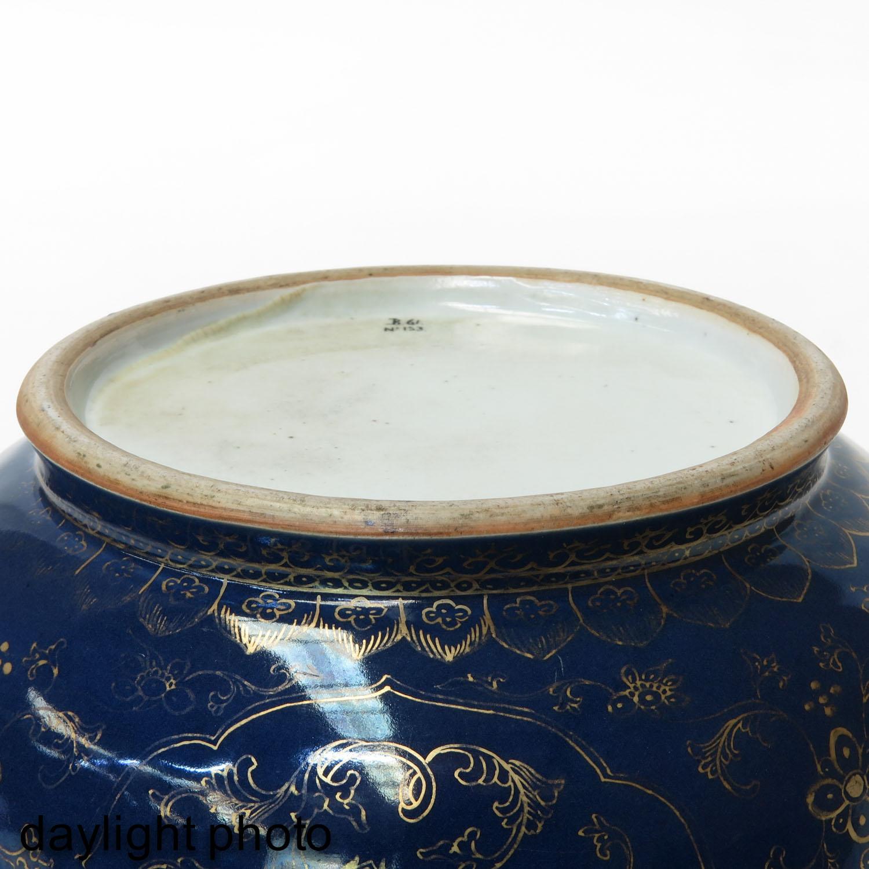 A Dark Blue and Gilt Bowl - Image 8 of 9