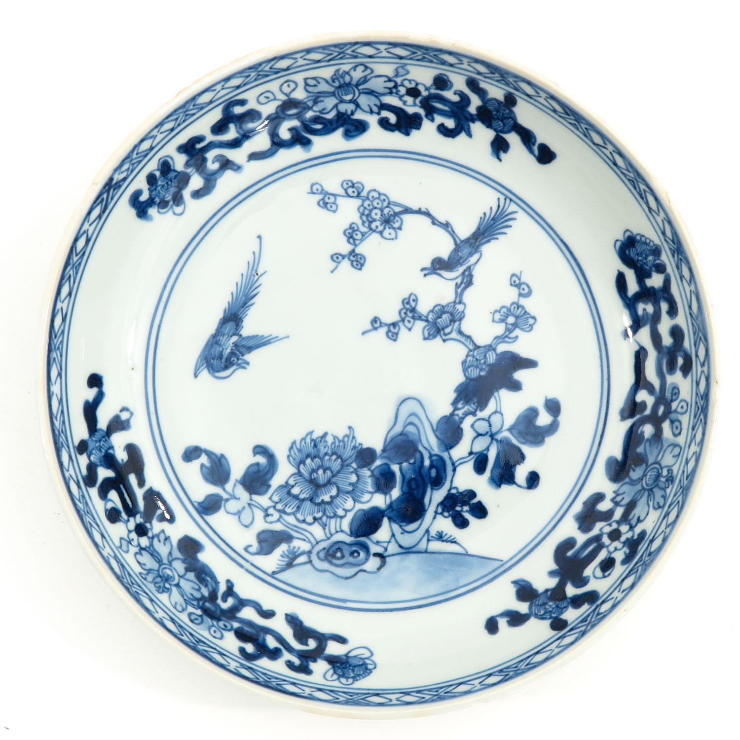 A Lot of 3 Blue and White Plates - Image 7 of 10