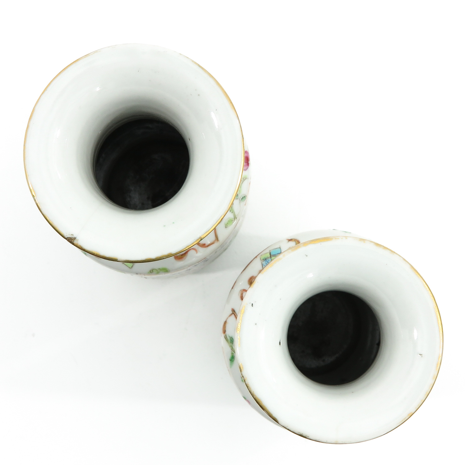 A Pair of Cantonese Vases - Image 5 of 9