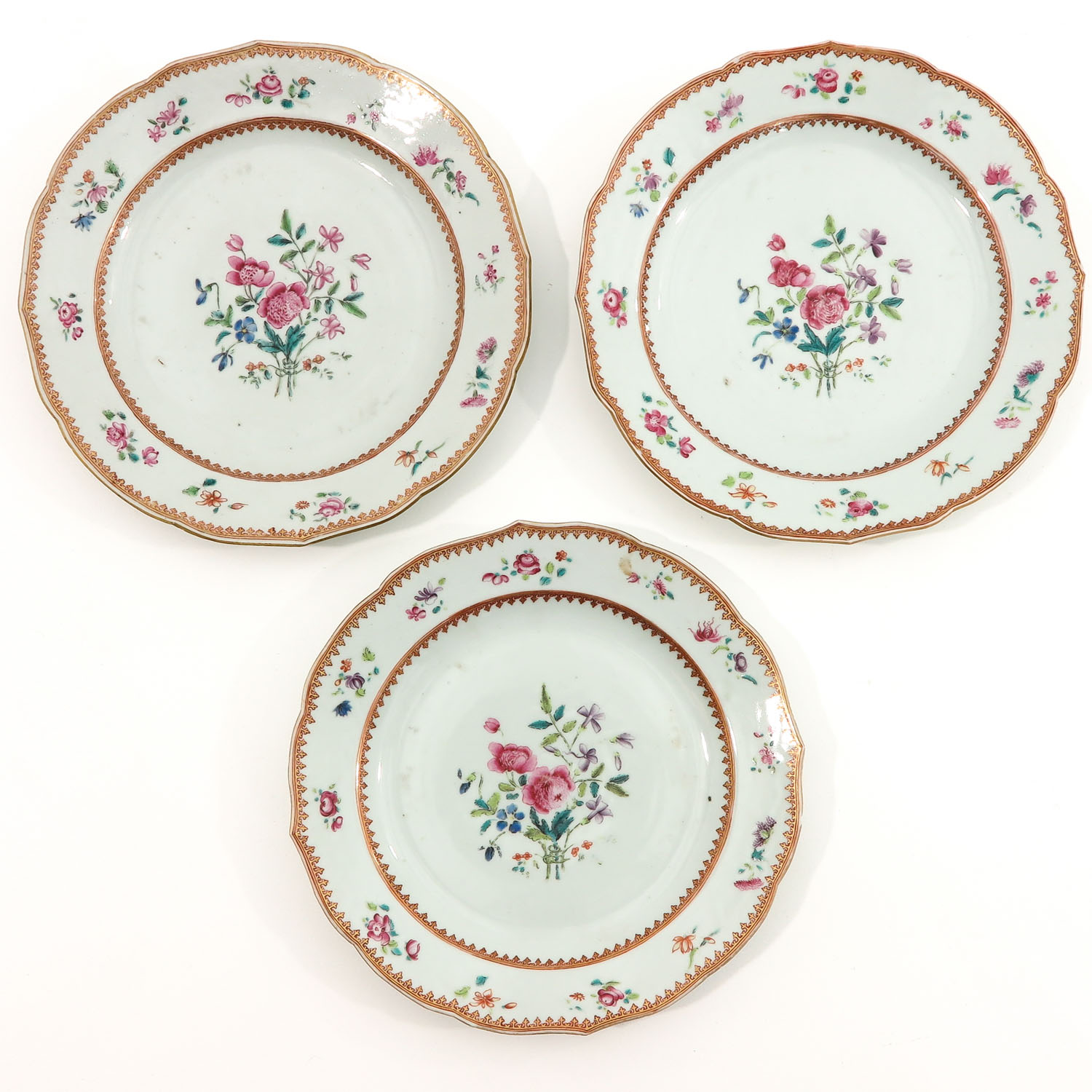 A Series of 8 Famille Rose Plates - Image 5 of 10