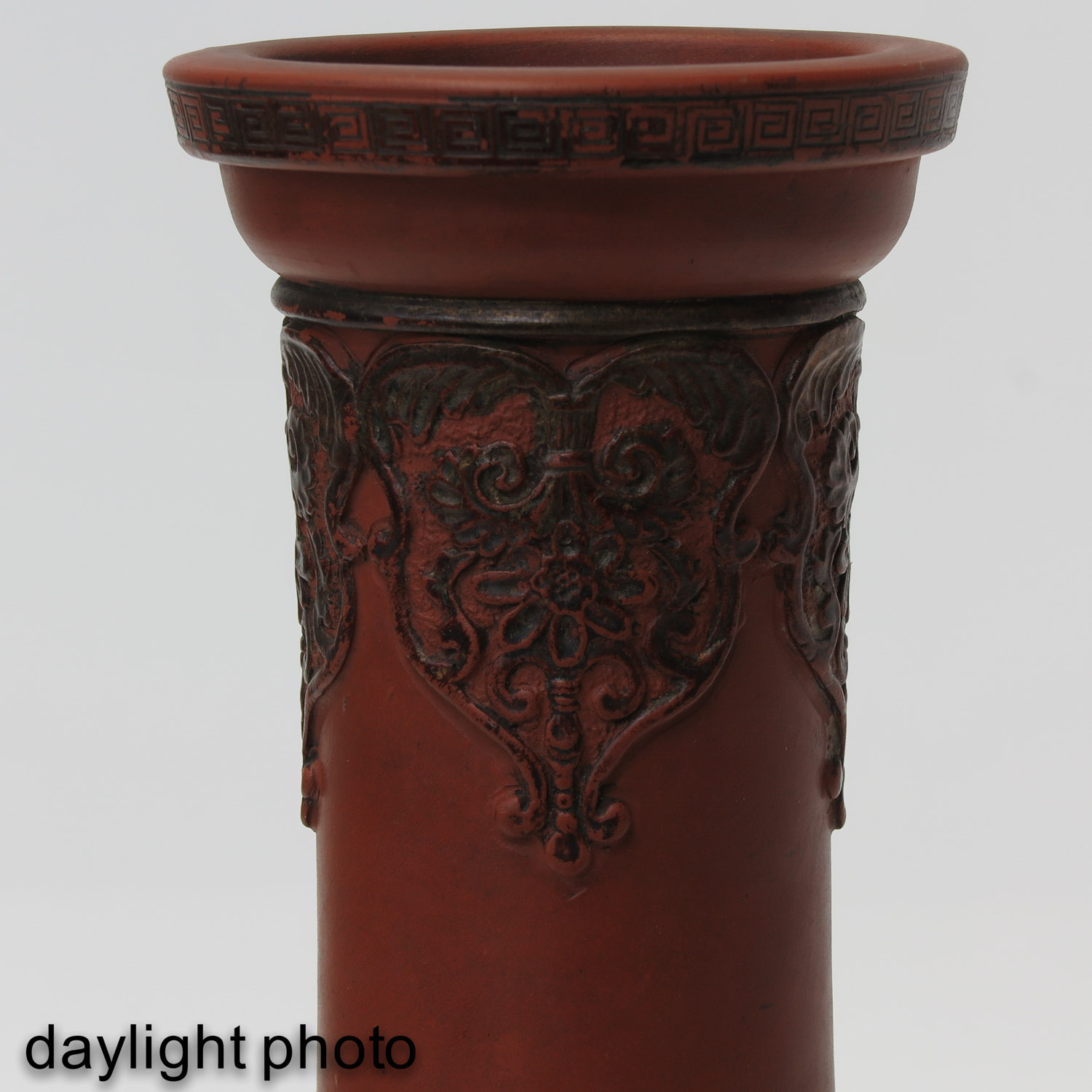 A Pair of Stoneware Vases - Image 10 of 10