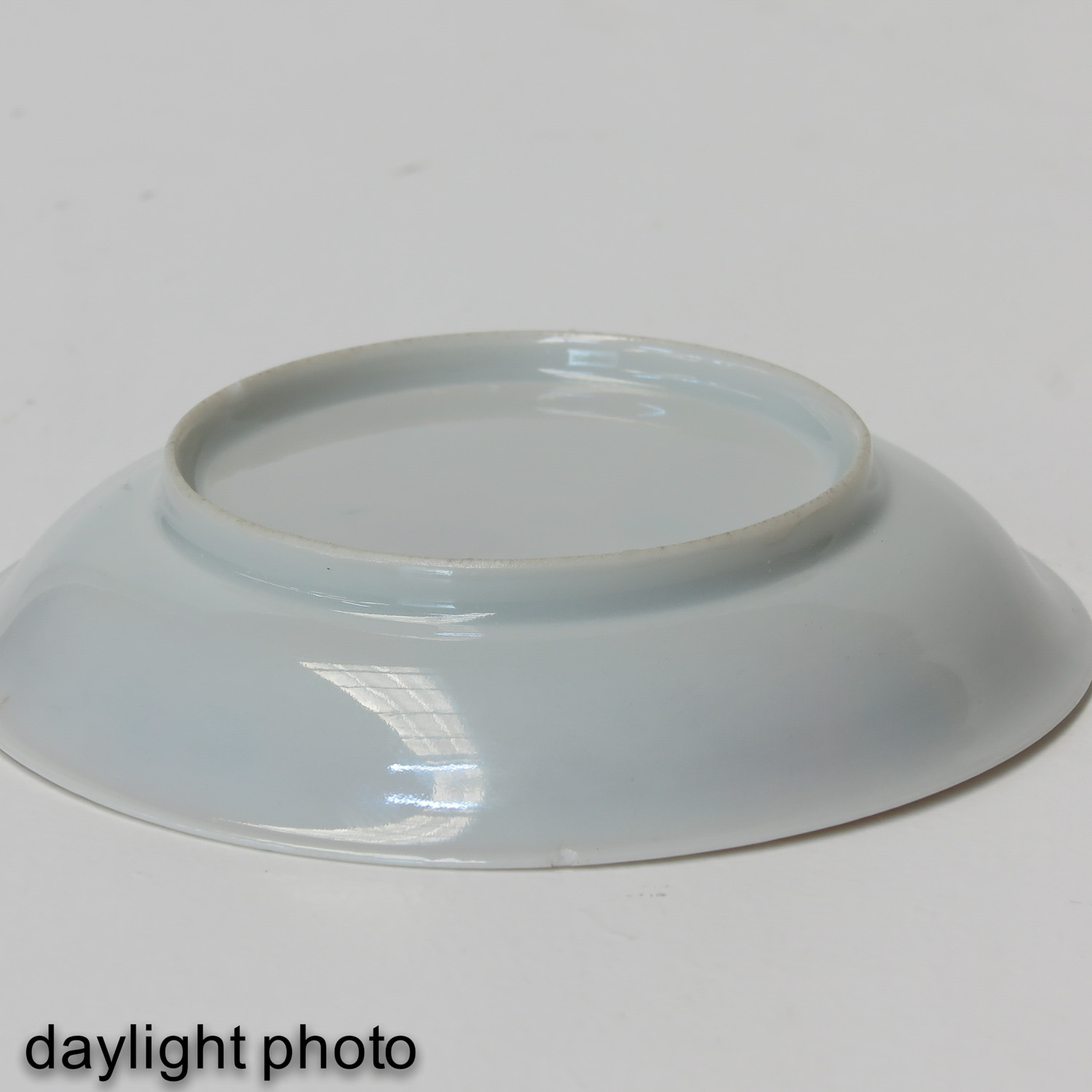 A Pair of Chine de Commande Small Plates - Image 8 of 9
