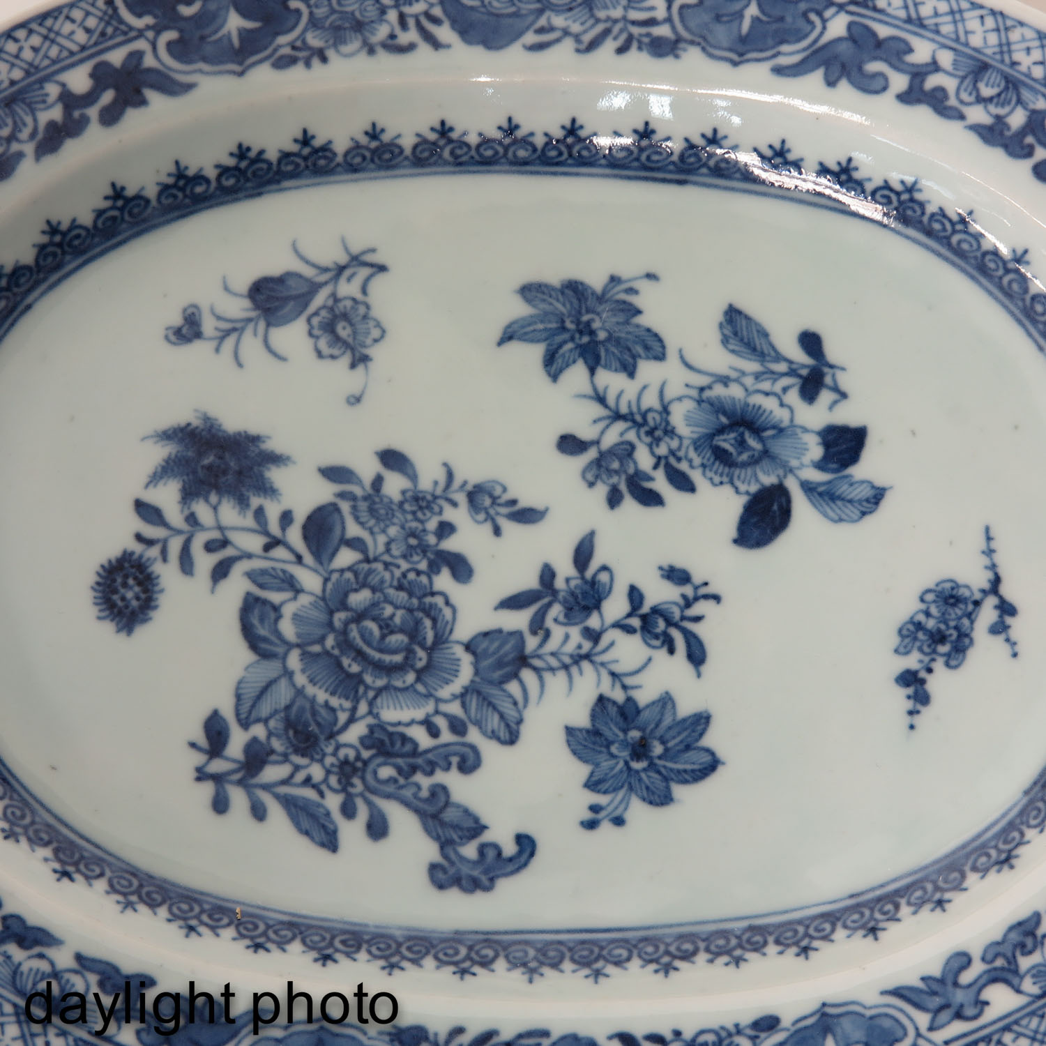 A Pair of Blue and White Chargers - Image 9 of 10