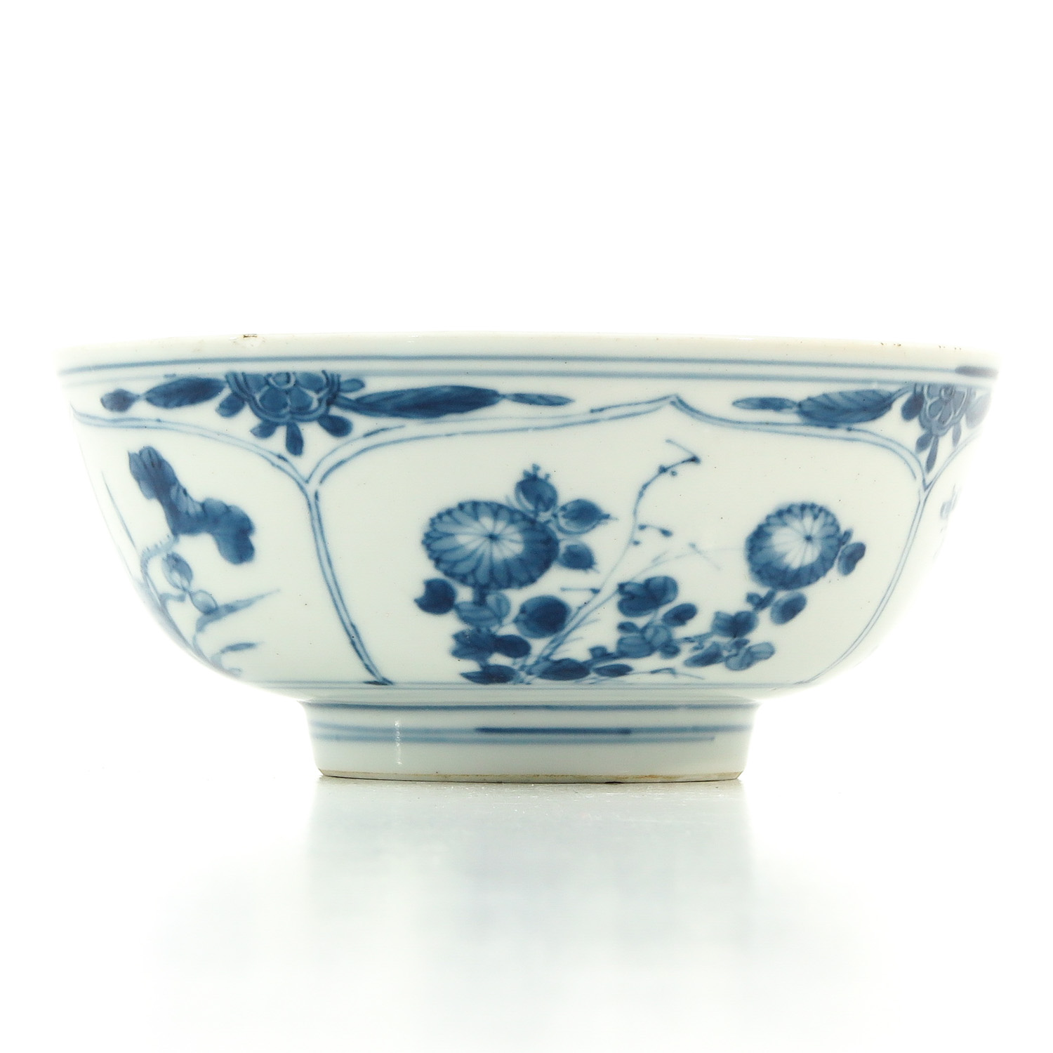 A Blue and White Bowl - Image 3 of 9