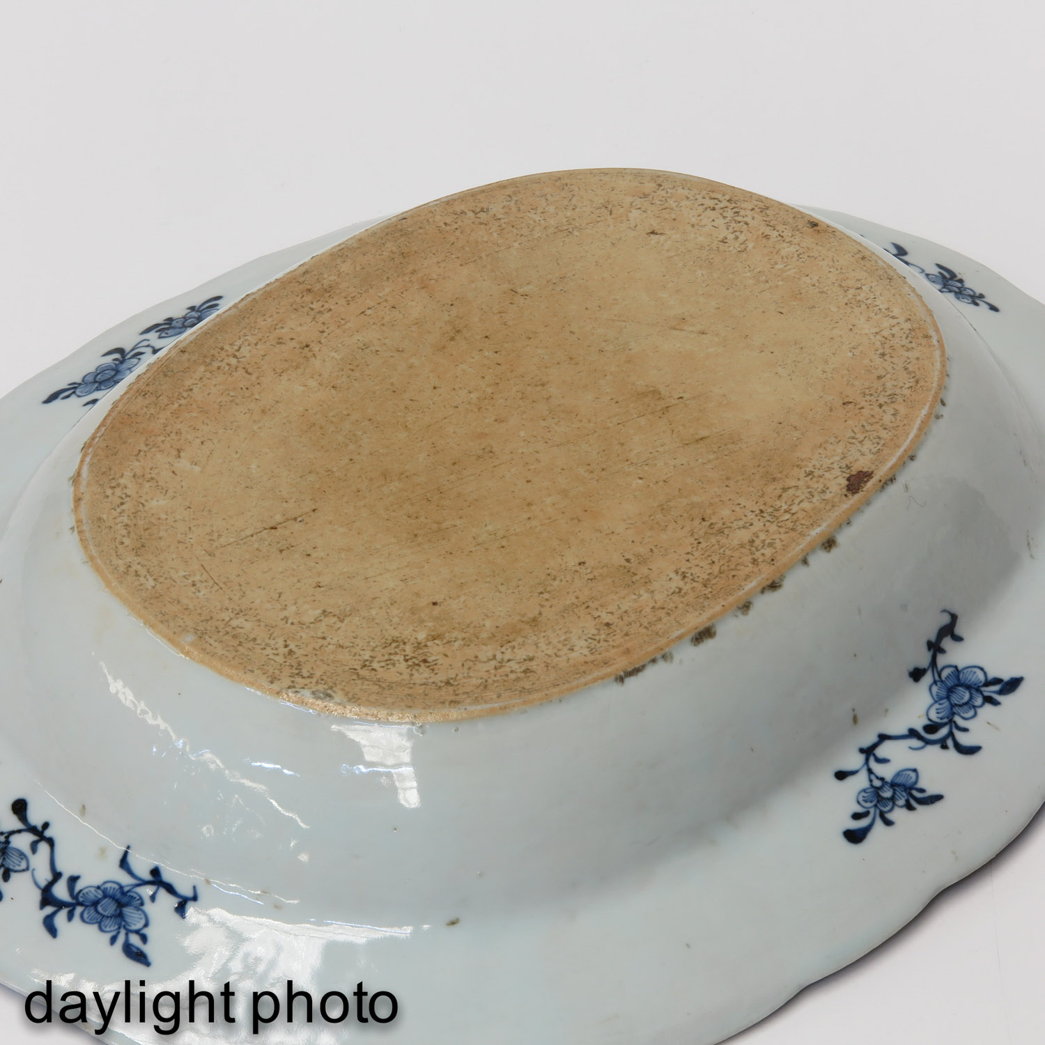 A Blue and White Serving Tray - Image 6 of 7