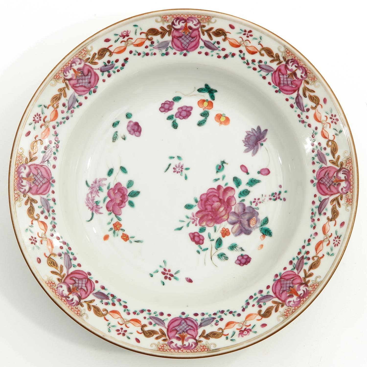 A Series of 3 Famille Rose Plates - Image 7 of 10
