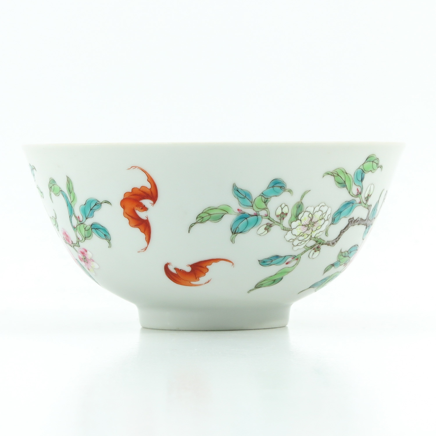 A Famille Rose Bowl - Image 3 of 10