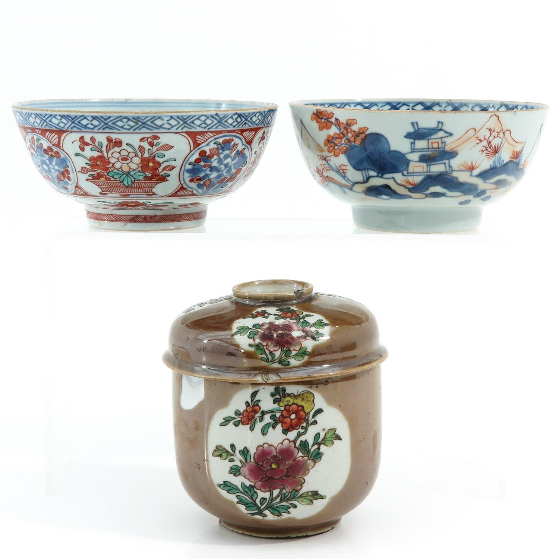 A Batavianware Jar and 2 Bowls