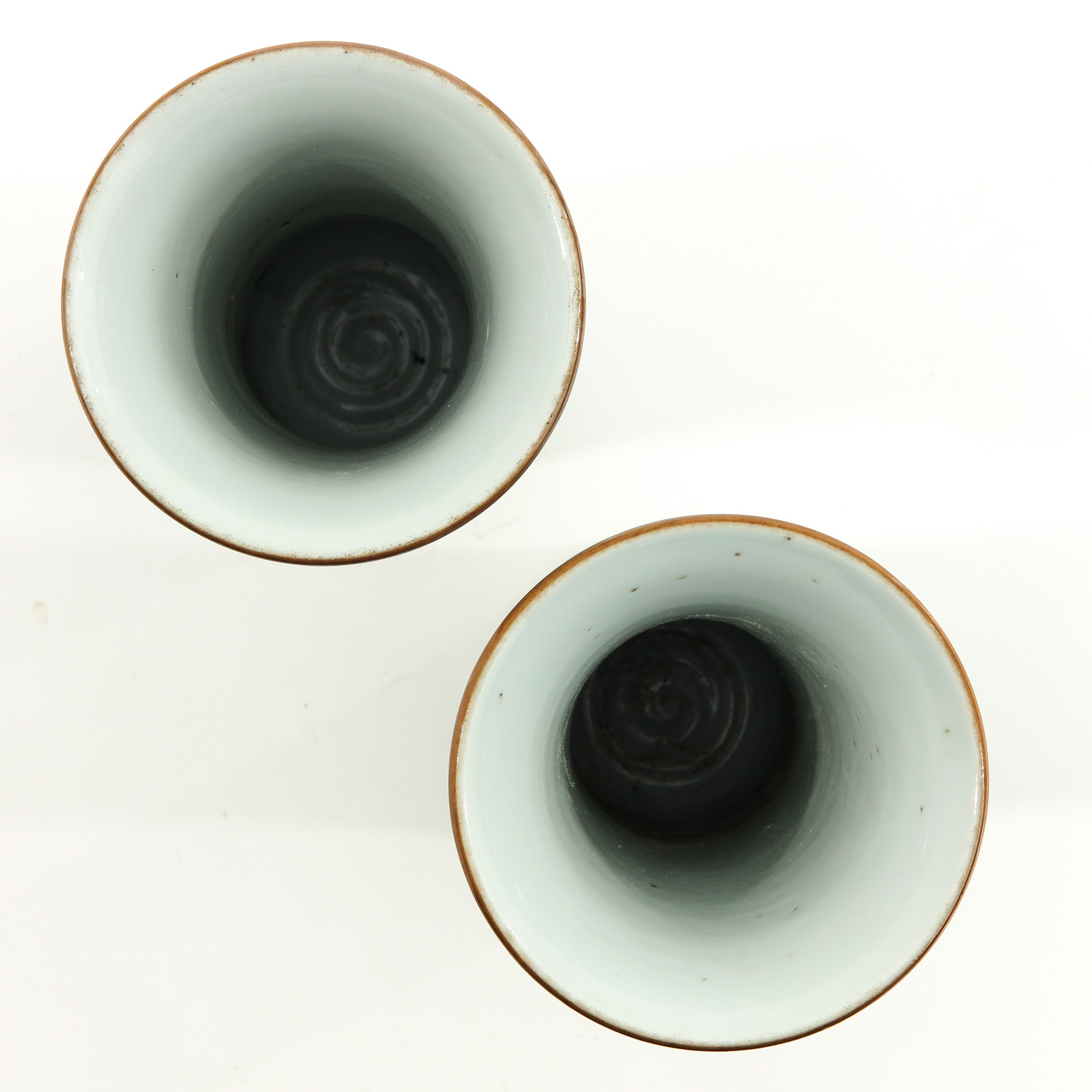 A Pair of Famile Verte Vases - Image 5 of 9