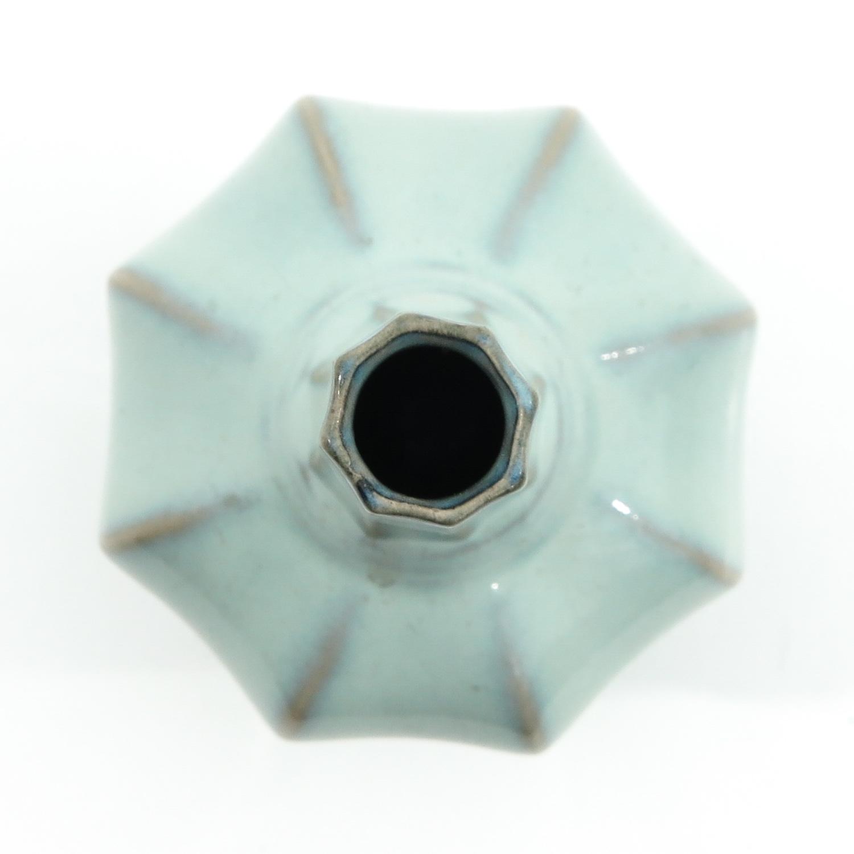 A Celadon Vase - Image 5 of 9