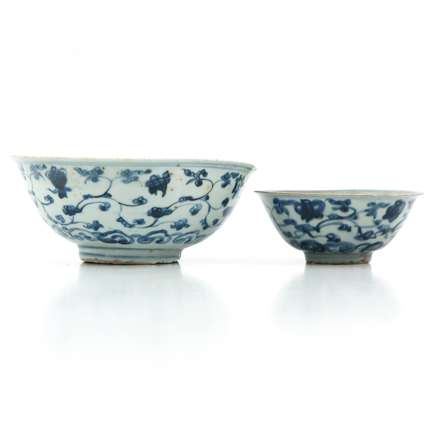 A Lot of 2 Blue and White Bowls - Image 2 of 10