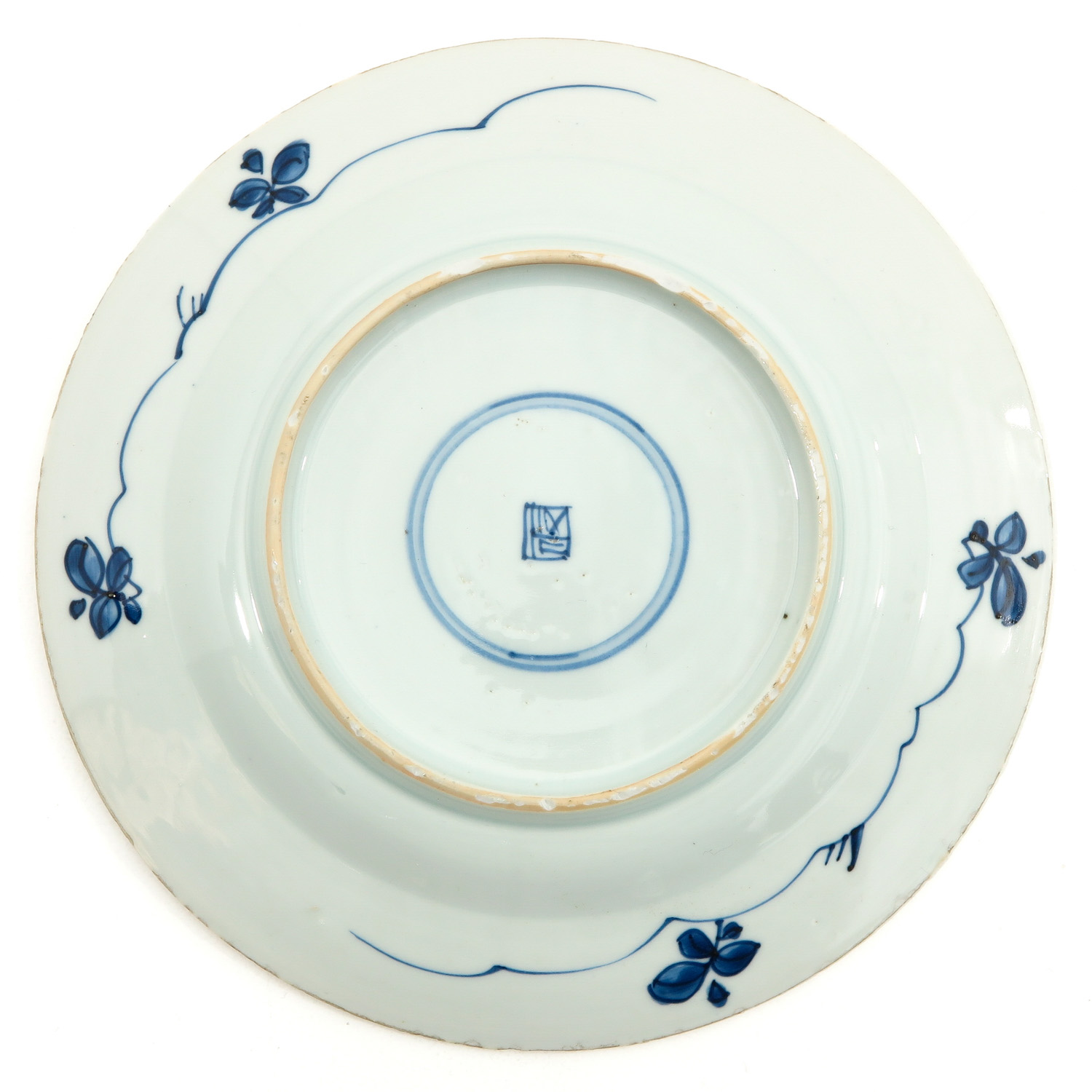 A Lot of 3 Blue and White Plates - Image 6 of 10