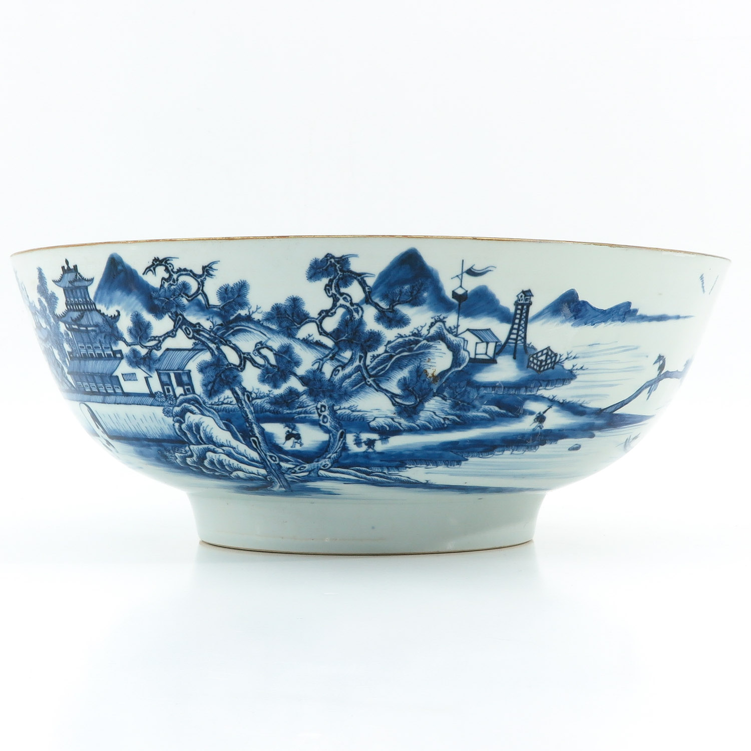 A Large Blue and White Bowl - Image 3 of 9